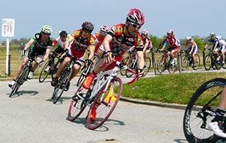 自転車ロードレースの画像