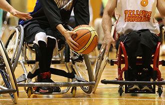 車椅子バスケットボールの画像